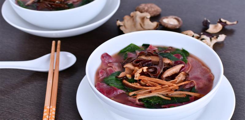 Beet Vegetarian Pan Mee Soup