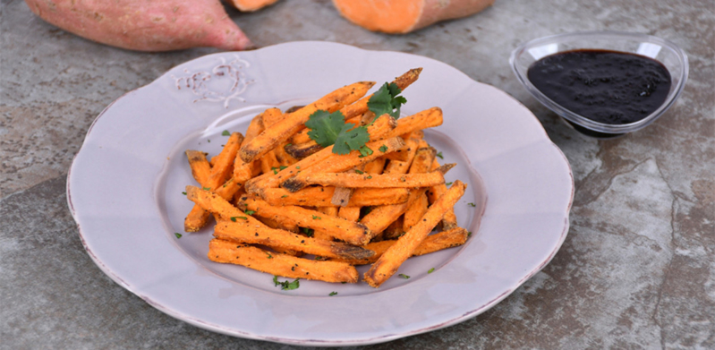 Crispy Baked Sweet Potato Fries with Barbeque Sauce